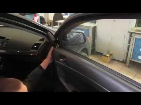 Как снять обшивку двери lancer 10