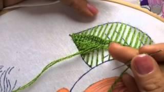 getlinkyoutube.com-111.-Bordado Fantasia hojas de la niña pera