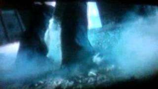 getlinkyoutube.com-Resident Evil Apocalypse [ Alice V.S. Nemesis 1]