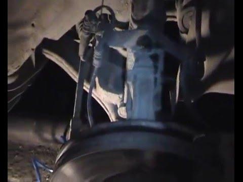 Замена пыльников передних стоек, рулевой тяги Mitsubishi Grandis