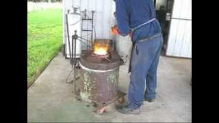 getlinkyoutube.com-Melting cast iron for my projects