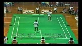 getlinkyoutube.com-Separuh Akhir Piala Thomas 1988: Misbun Sidek vs Icuk Sugiarto