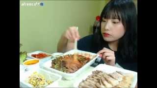 getlinkyoutube.com-터민 보쌈 + 막국수 먹방