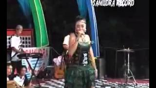 SAREYDUT DISCO - Layang Suworo - Deviana Safara