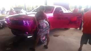 getlinkyoutube.com-Riding Big Car Show 2014 WILD DODGE CHARGER on Big 32 Inch Rims on Cars Donk (part 11)