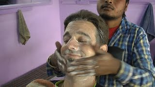 getlinkyoutube.com-Indian Style - the Art of shaving, face and head massage