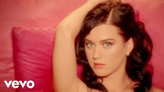 Katy Perry – I Kissed A Girl dinle indir