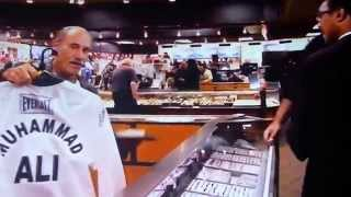 getlinkyoutube.com-MUHAMMAD ALI JR. GETTING RIPPED OFF BY THIEF LES GOLD AT HARDCORE PAWN DETROIT USA