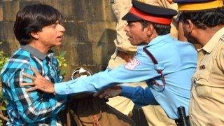 Shahrukh Khan THROWN OUT of his house Mannat | FAN Hindi Movie 2015