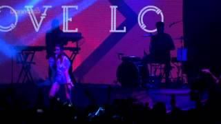 getlinkyoutube.com-Tove Lo - Talking Body (Live at Bonnaroo 2015)