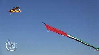 getlinkyoutube.com-RC Plane with long UAE Flag - Jamal Al Mazrouei علم دولة الامارات