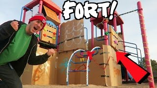 GINGERBREAD HOUSE PLAYGROUND FORT!