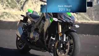 getlinkyoutube.com-Kawasaki Z1000 ABS vs Suzuki GSX S1000 ABS (Superbike Comparison)