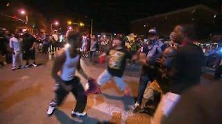 getlinkyoutube.com-Street fight breaks out among Baltimore protesters