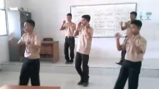 Belajar tari perang-perangan by:anak-anak SMKN2 BOJONEGORO