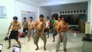 getlinkyoutube.com-SENAM PINGUIN KOCAK