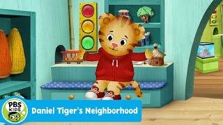 getlinkyoutube.com-DANIEL TIGER'S NEIGHBORHOOD | Theme Song | PBS KIDS
