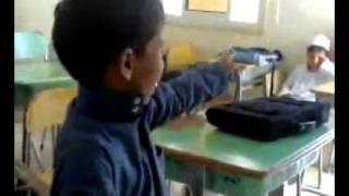 سعوديين مهسترين - معلم يستهزئ بالطلاب