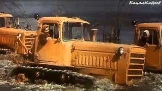 """getlinkyoutube.com-СТЗ ДТ-75, гусеничный-трактор из к/ф """"Русское поле"""" (1971)."""