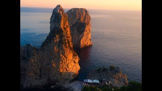 Capri: L'ultimo Tramonto di Settembre, le meravigliose immagini girate dai Faraglioni (VIDEO)