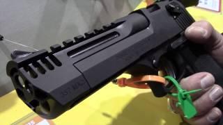 getlinkyoutube.com-Desert Eagle L5 (New) - SHOT Show 2015