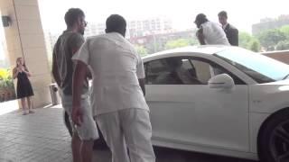 getlinkyoutube.com-Virat Kohli drives Chris Gayle around Delhi in his Audi R8