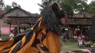 getlinkyoutube.com-singomanis ...barongan live in kumpulrejo