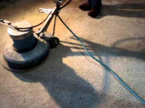 5 Pasos para lavar una alfombra