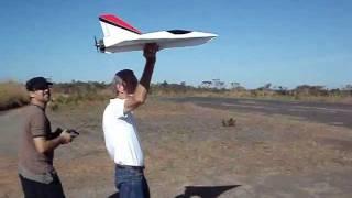 getlinkyoutube.com-FAST KFm-4 RC BIG DEPRON   DELTA JET II  FLYING TEST