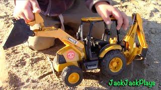 getlinkyoutube.com-Bruder Backhoe - Toy Truck Videos for Children - Bruder JCB Backhoe Loader Excavator UNBOXING + Play