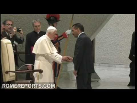 Pope to Interpol   Terrorism and crime go against human dignity