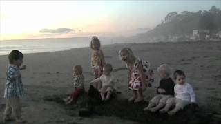getlinkyoutube.com-One Direction What Makes You Beautiful Babies