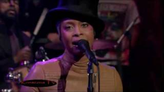 getlinkyoutube.com-Erykah Badu - Window Seat Live Performance