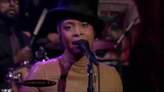 getlinkyoutube.com-Erykah Badu - Window Seat Live Performance