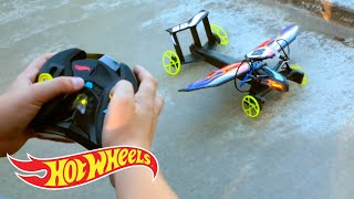 getlinkyoutube.com-Controlling the Hot Wheels Sky Shock Car, Insane Transformation & Racing Without Limits | Hot Wheels