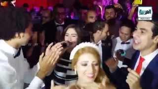 "getlinkyoutube.com-العربية نيوز l الفنانة "" بوسى "" تشعل حفل زفاف الفنان "" على ربيع """