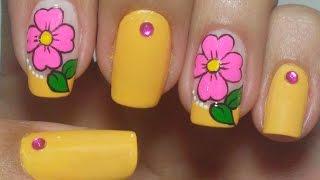 getlinkyoutube.com-Unhas Amarelas Decoradas com Flores Manual Bela e Simples