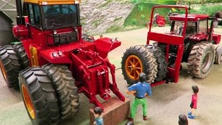 getlinkyoutube.com-RC TRUCK pick up RC TRACTOR to change the MONSTER WHEELS - farm toys in action