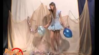 getlinkyoutube.com-Девочка танцует на школьном концерте