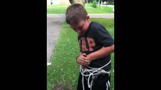 getlinkyoutube.com-Kid escape artist
