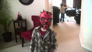 getlinkyoutube.com-Darth Maul Mask and Lightsaber Toys!