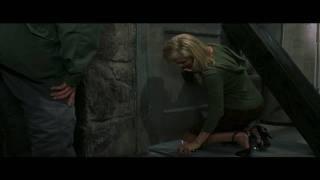 Scary Movie 3 Upskirt Scene