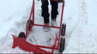 getlinkyoutube.com-The Snow Bully