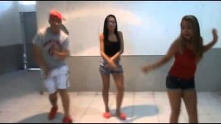 getlinkyoutube.com-Zueira Como Vejo o Passinho do Romano