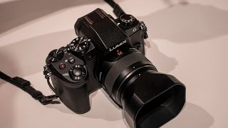 getlinkyoutube.com-Panasonic Lumix G85 / G80 Early Review - Hands-On at Photokina 2016 (+ GH5 and new Leica lenses)