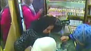 getlinkyoutube.com-كاميرا مراقبة تسجل عملية سرقة بالقنيطرة محل مجوهرات