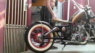 getlinkyoutube.com-Moto Bobber suzuki 250