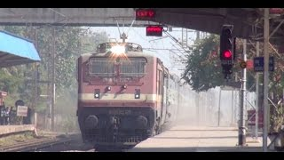 getlinkyoutube.com-Mad Honking by Howrah Porbandar Superfast Express - The Driver Turns Into A Child !!!