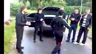 Узбеки Армяни Чеченцы мы все братья танцуют Фергана 2011
