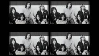 getlinkyoutube.com-Bay City Rollers - Don't Let the Music Die (slide show)
